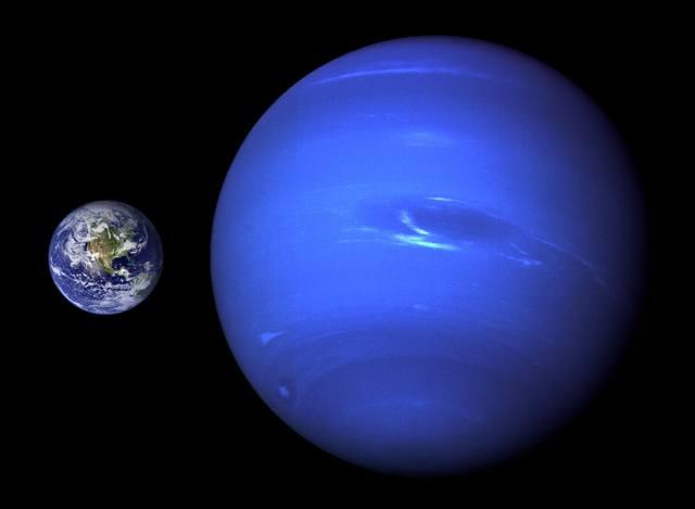 Сопоставление размеров Земли и Нептуна