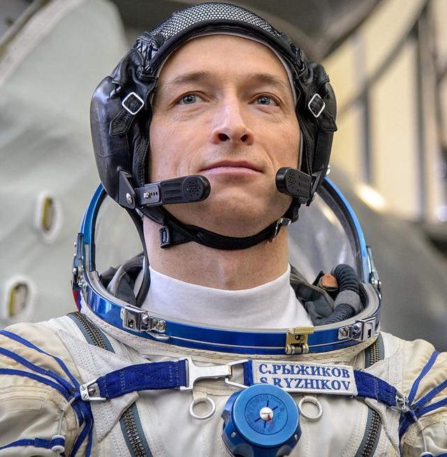 Космонавт Сергей Николаевич Рыжиков