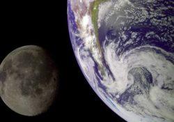 Почему на Землю не падает Луна