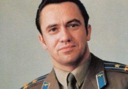 Космонавт Леонид Иванович Попов