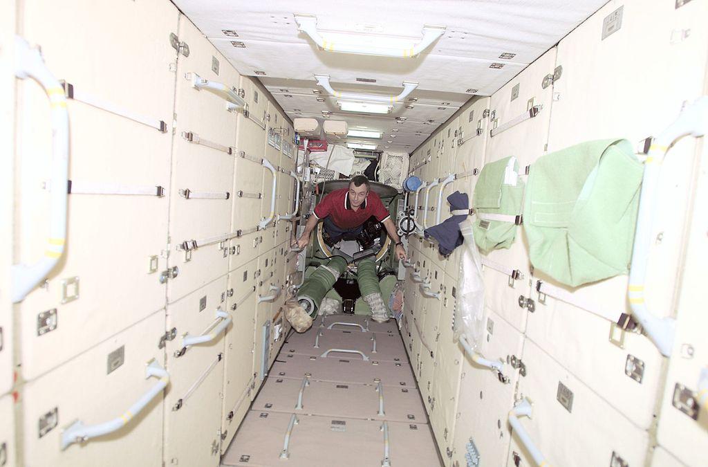 Как спят космонавты
