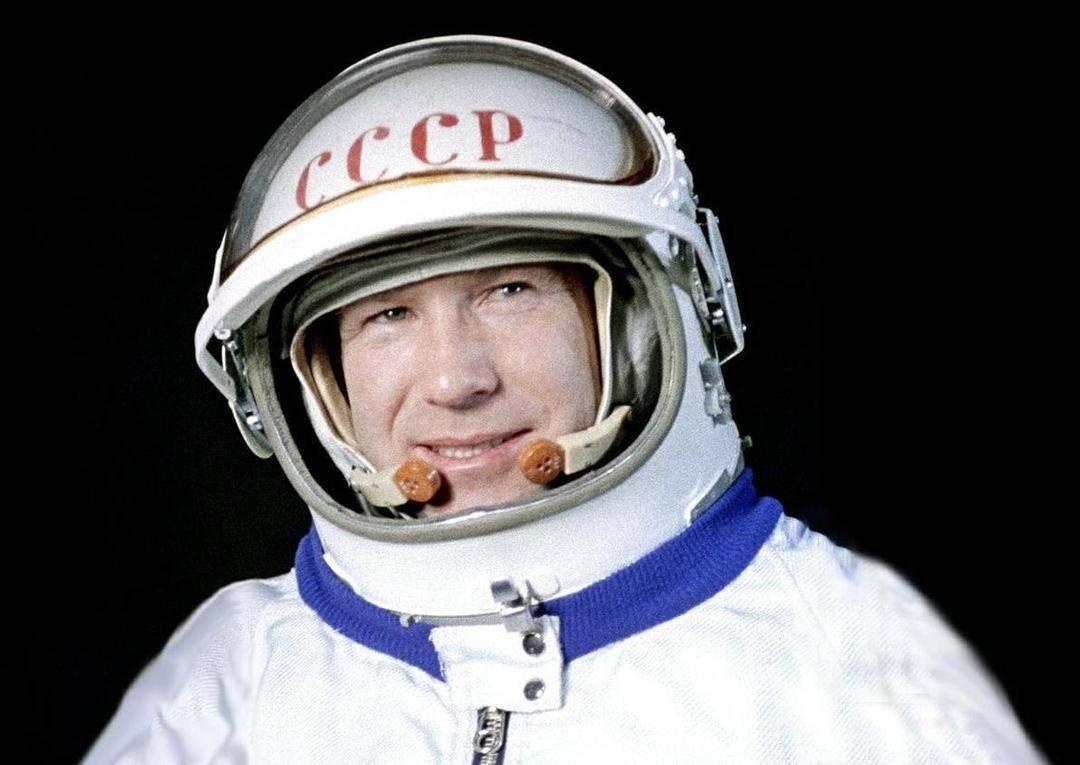 Алексей Леонова