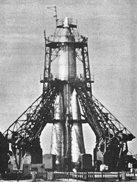 Ракета-носитель 8К71-ПС со Спутником-1 на стартовом столе