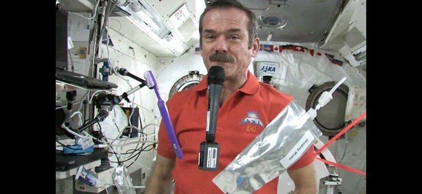 Как моются космонавты