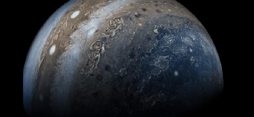 Какая поверхность у Юпитера