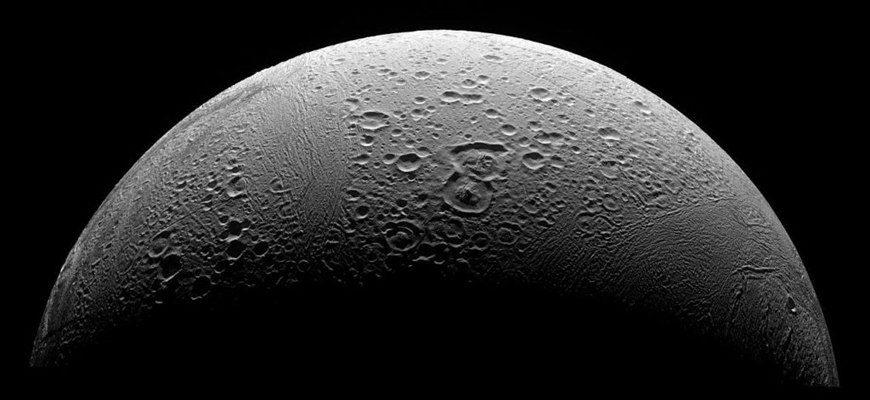 Энцелад – спутник Сатурна