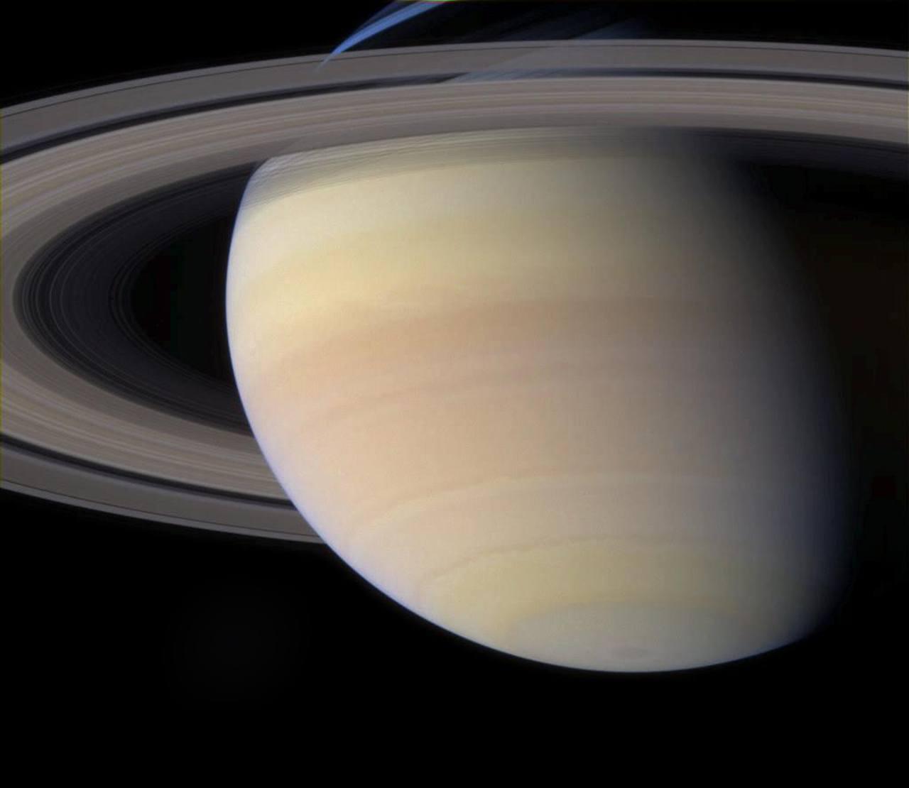 Сатурн в телескоп