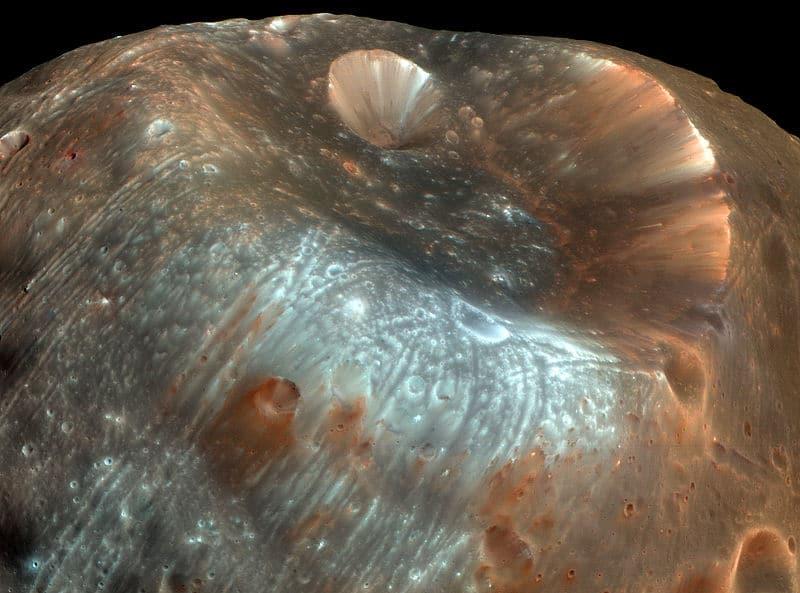 Стикни — самый большой кратер Фобоса