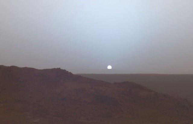 Какого цвета небо на Марсе