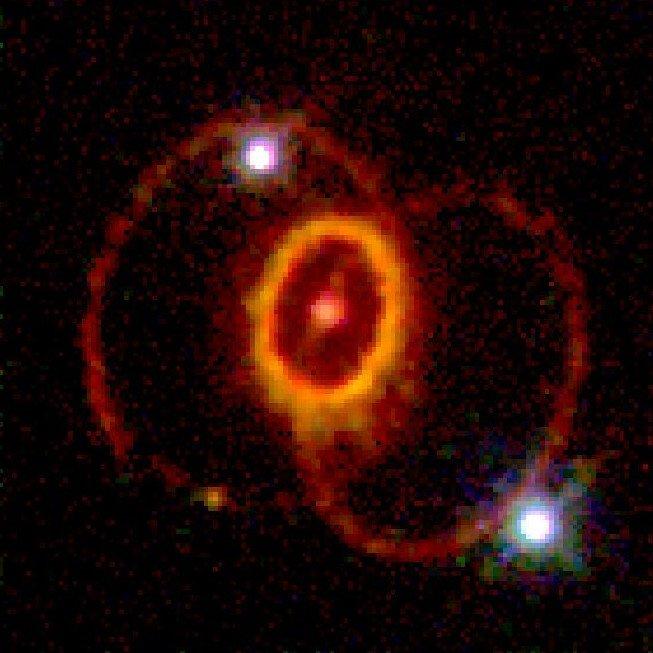 Остаток сверхновой SN 1987A, снимок телескопа «Хаббл», опубликованный 19 мая 1994 года