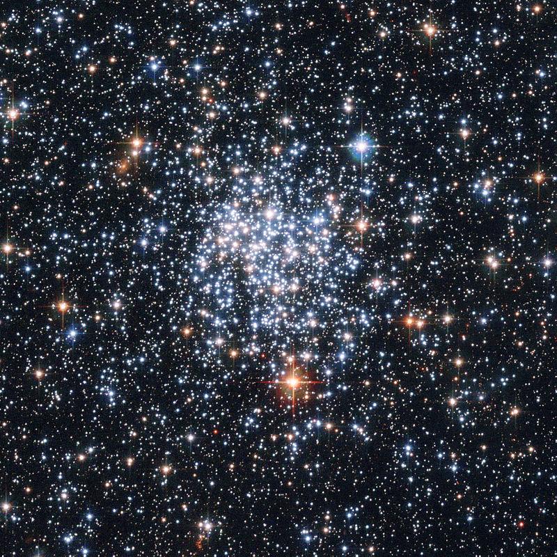 NGC 265, рассеянное звездное скопление в Малом Магеллановом Облаке.
