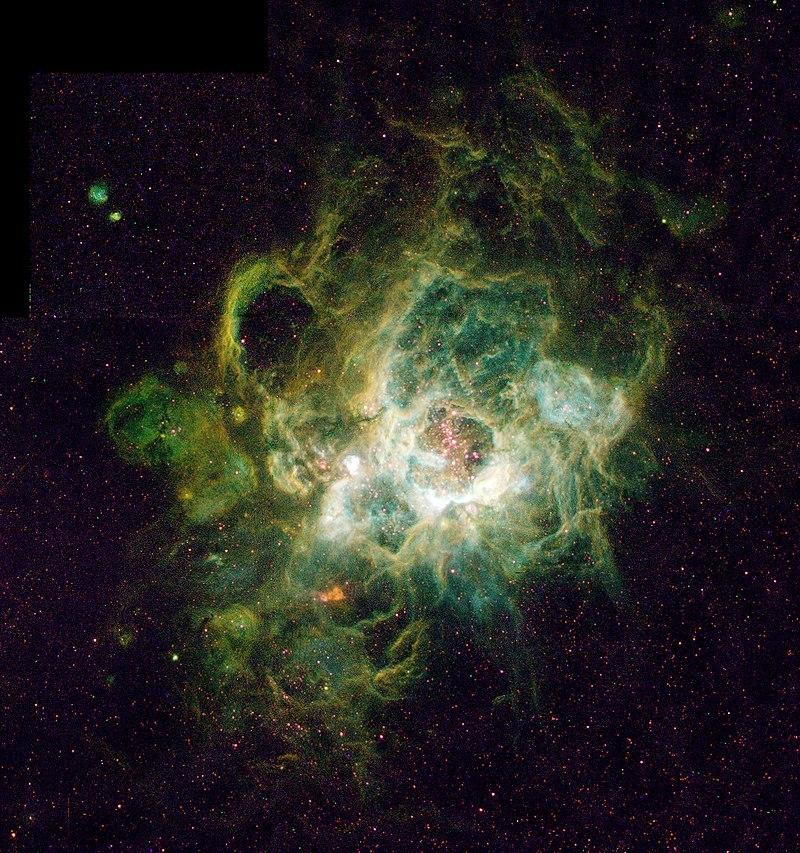 Гигантская область звездообразования NGC 604