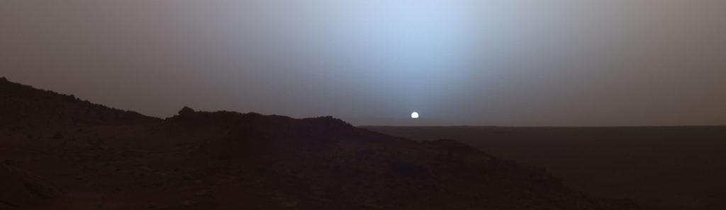 Марсианский закат в кратере Гусева.