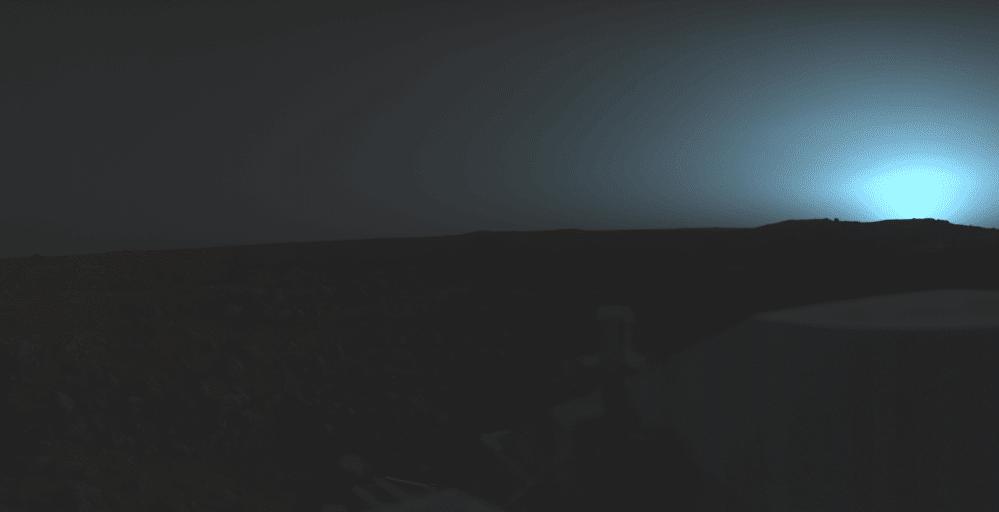 Посадочный модуль Viking 1 запечатлел изображение марсианского заката над равниной Chryse Planitia.