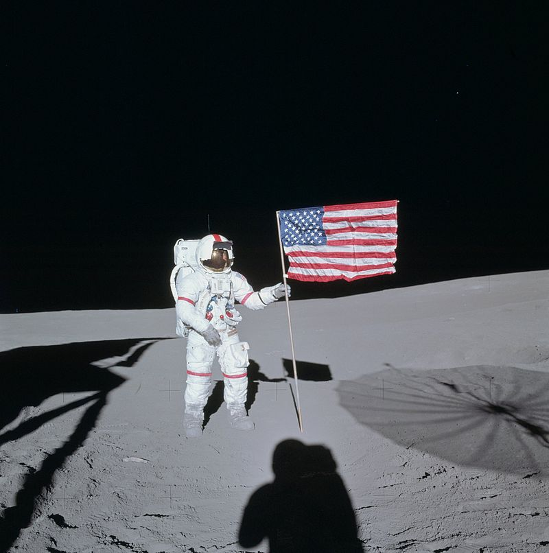 Алан Шепард на поверхности Луны
